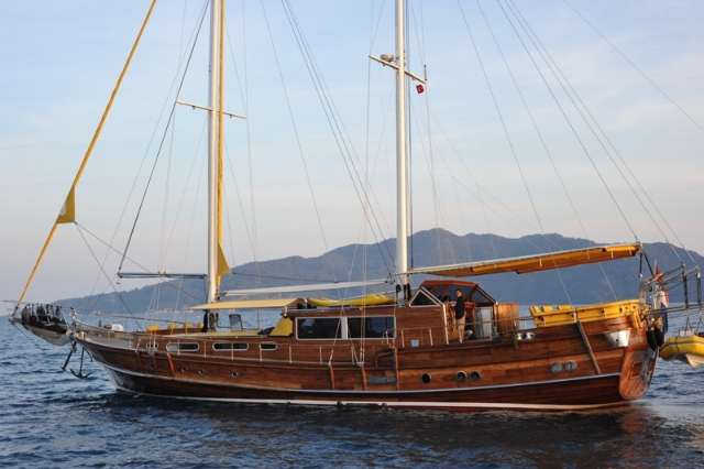 23 m. Laminated Ketch VIP27205