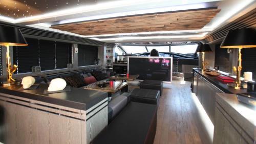 Motor Yacht Black Legend Is For Sale